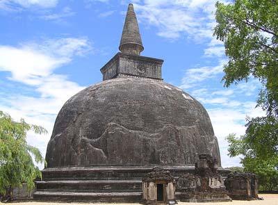 Шри Ланка. Полоннарува. Ступа на террасе Зуба Будды